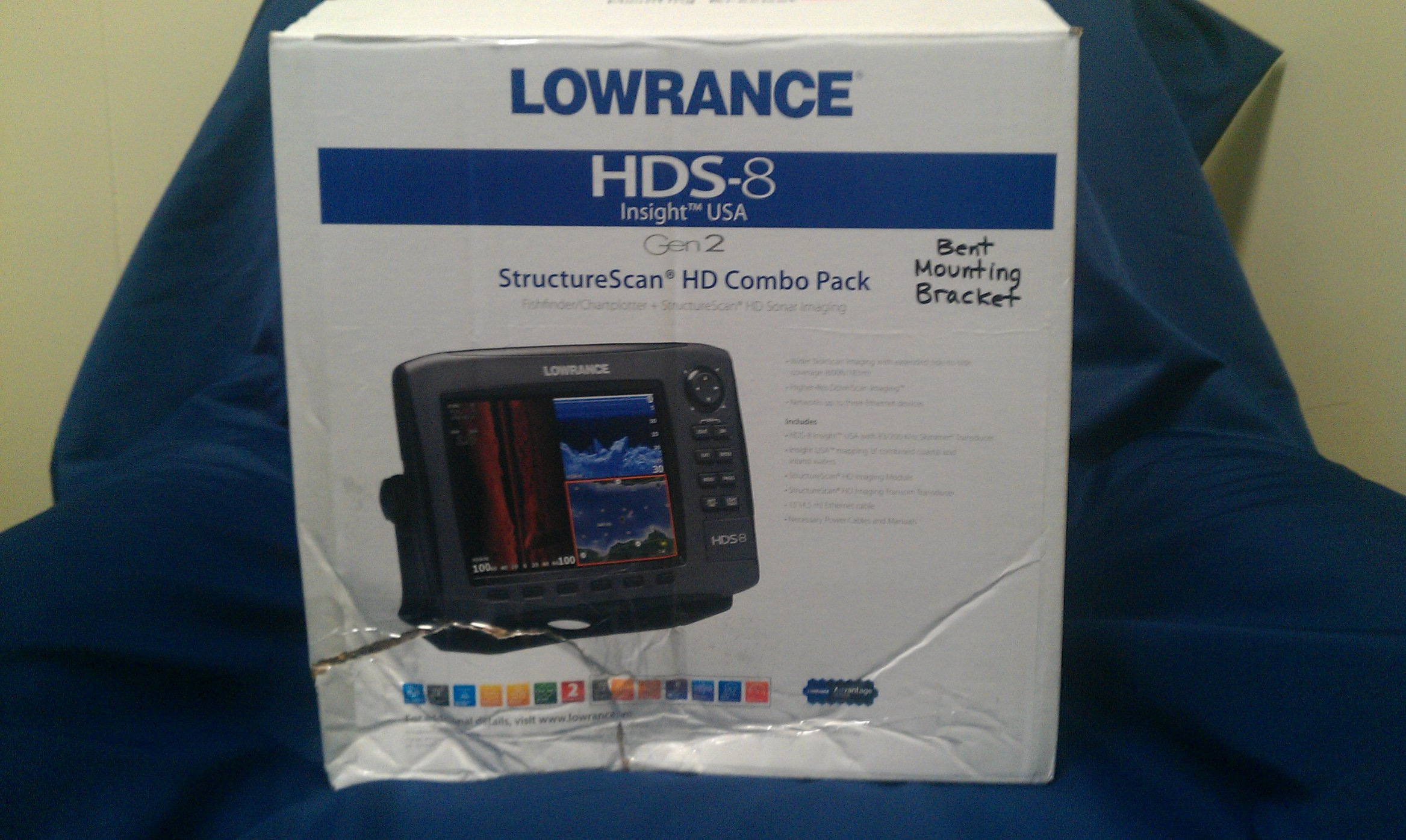 New In Box Lowrance HDS-8 w/ StructureScan (LSS-2) and