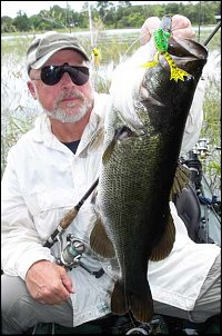 Click image for larger version  Name:7_9_09_Bass_ken with green.jpg Views:265 Size:33.3 KB ID:6422