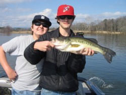 Alabama Fishing Reports on Mid South Bass Guide Visit Our Website Msbassguide   Comcast Net 615